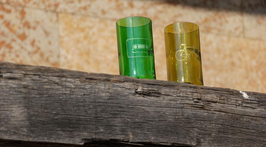 Wunderschöne Gläser in braun und grün mit sandgestrahlten Motiven